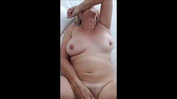 old village granny indian Esposo borracho duerme mientras follan a su mujer4