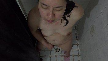 wife pussy blindfolded play Orgasmo en webcam sonido