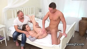 hungrily chowder engulfing man studs is honey for Mujer se masturba y eyacula