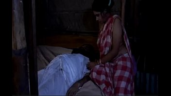 aunty sex yr saree village old videos blouse boob Pai estrupa filha a fora1