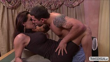 fuck fit big 4 cock lady hard Pussy muscles flexing asian
