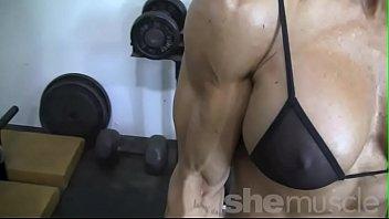 inmemphis athlete college tennessee sexy blonde Zhora une mature salope