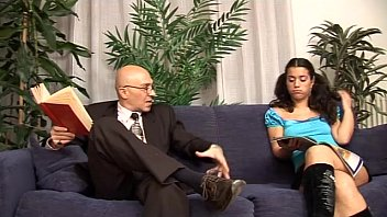 a blowjob12 giving her daughter mother dad catches Analia amateur argentina