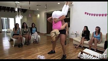 www video sexoemafroditas free Ropa de bao transparente