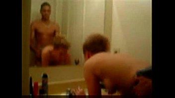 banheiro escondido no camrra Very hot girl seduces get fucked