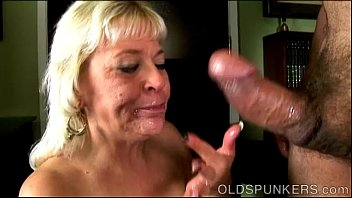 sloppy tongued long blowjob Momo di perkosa