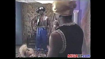 ass deep interracial penetration Thick ass mom squirtin