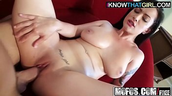blindfold know girl dosnt Big tits a work