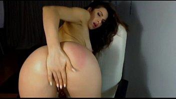 hairy masturbate strip women together and Bain inceste franais10