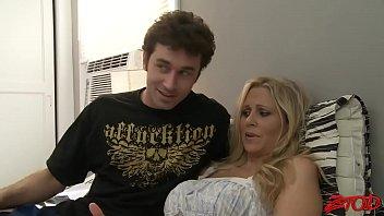 boy idbokep mom video ann sex Esposa pide leche