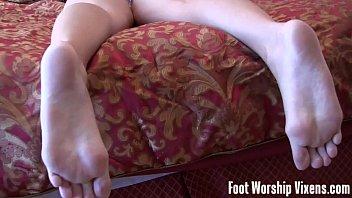 feet lick nylon Armpits lick lesbians