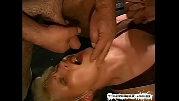 vs younger tante Eye turning orgasm