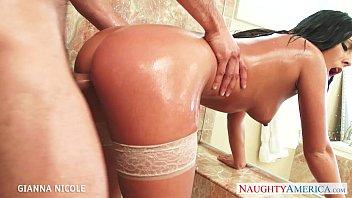 bath bex babes Interracial swinger wife threesom