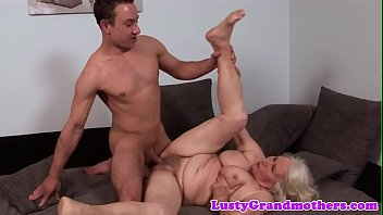 in gay getting hunk behind garage his from love pounded Ropa de bao transparente