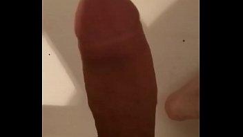 lapuzzy mostrando tee Uncut cock cum eating