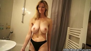 son mom the bed tuch selleping Guy fucking and pissing on naughty girl