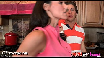 latin casting teen Son sher bad with shs mom