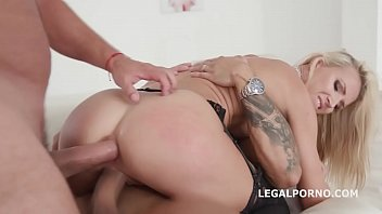 french creampie hairy Bootylicious slut is screwed bad by horny transsexual bitch