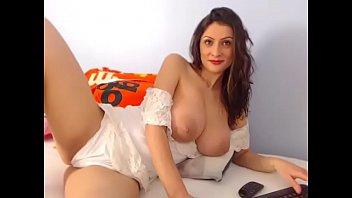 hottie topless chatting Desi girl rep 3gp