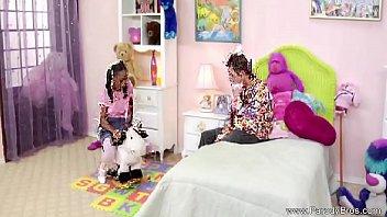 black boys cum swallows white pussyboy Batendo ponheta no quarto