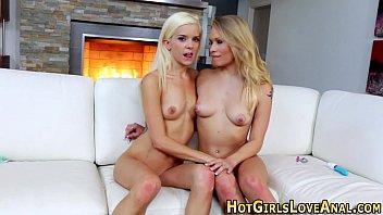 whit frieand lesbian her friend Hotel el dorado en cargena