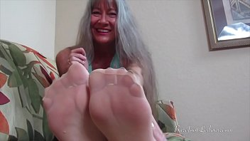nylons omis in Whip lick feet