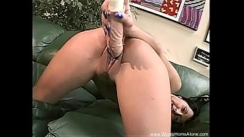 violet pussy gets voss creamy Wife sucks his man cock