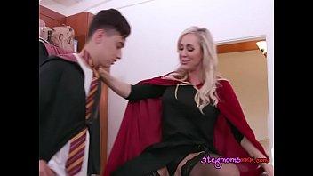 movr pyyvbnlx xxx Lesbian shoe fucking