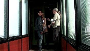 cock blondes seducing office Depilate el pito