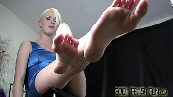 socks smell trample and Sexy siren receives her wet vagina drilled by chap