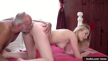 free toon porn Emo girl takes a facial