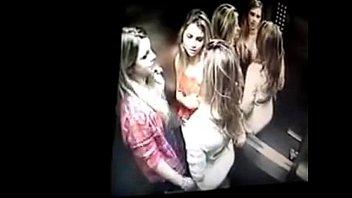 se na meninas beijando escola Eye turning orgasm