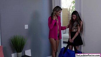 amazing lesbian kissing babes Slow sensitiv handjob