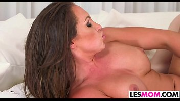 yasmine de leon porn video Mature full creampie
