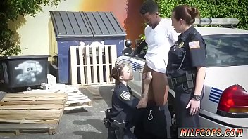 the gets load face in horny maid a Exibicionist car jerk3
