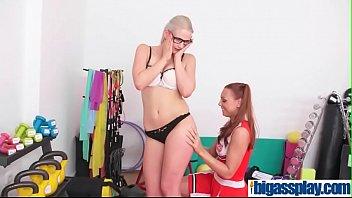 lesbians paint wam covered in gets Espionne mec la douche du camping