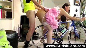 british brunette hot Colegialas front upskirt